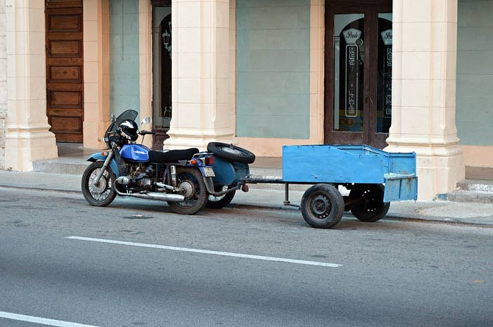 Motorcycle utility trailers