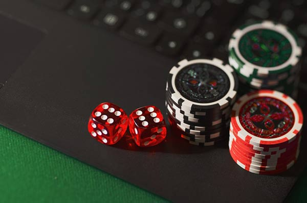 Online gambling and casinos getting famous on internet