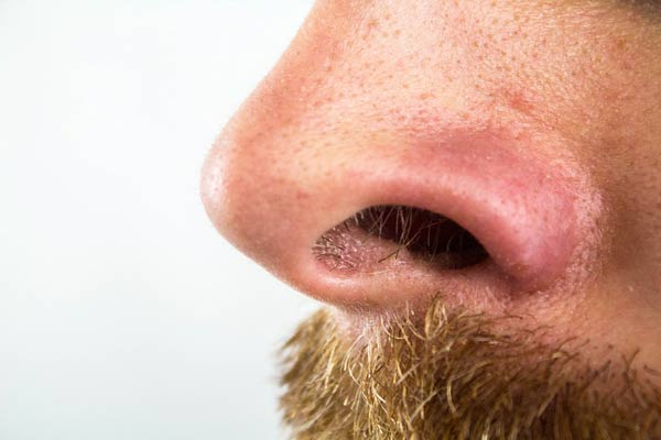 Is it safe to remove nose hair?