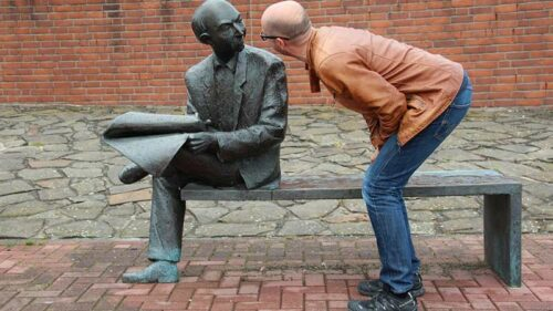Conversational Narcissism and How to Spot It?