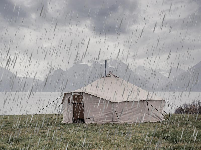 Waterproof tents for heavy rain